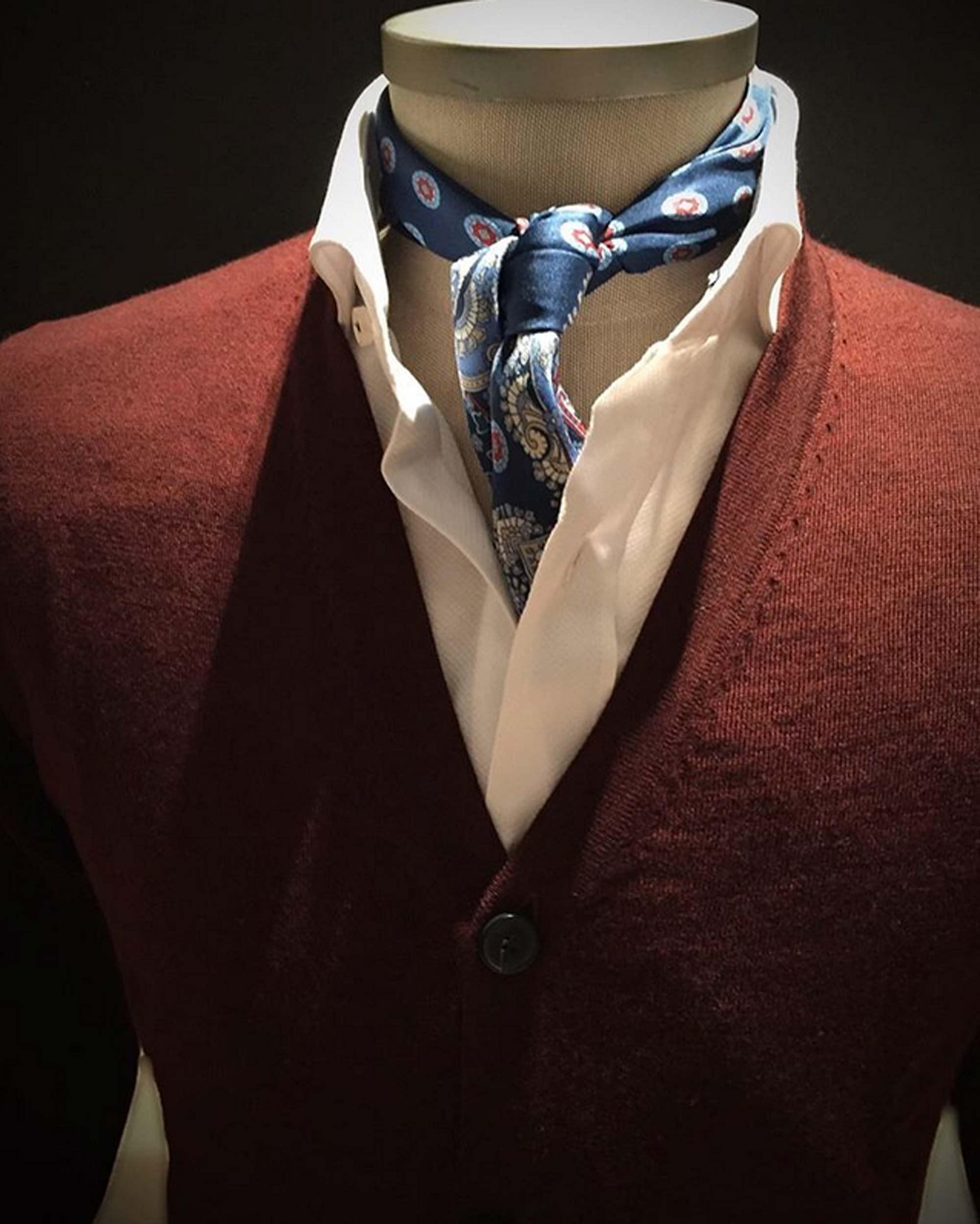 camisas corbatas jerseis pashminas pochettes zapatos exclusivos buona fortuna comprar online moda italiana y made in spain cardigans